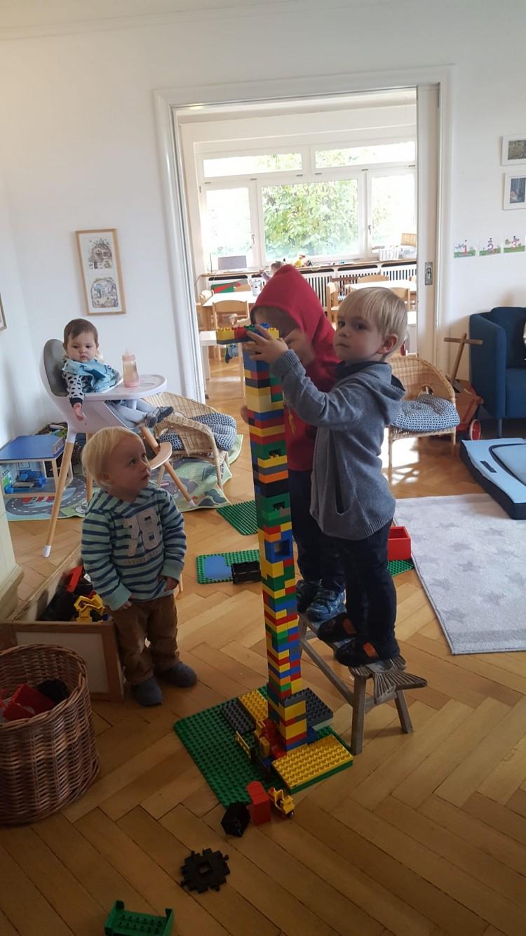 Legobau mit Angelo dem jungen Architekten